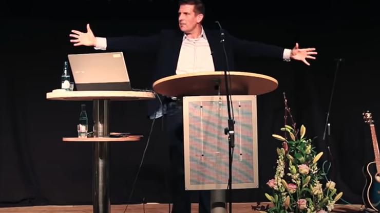 """Pastor odpowie za obrazę homoseksualistów. """"Brud gender jest atakiem na Boży porządek"""""""