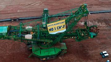 Aktywiści Greenpeace zostają na noc w kopalni Turów. Będą spali na koparce