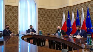 Pierwsze posiedzenie rządu z udziałem Kaczyńskiego