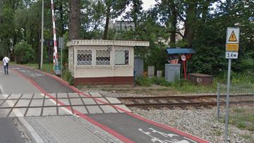Uciekał samochodem przed pościgiem, utknął na torowisku w Bielsko-Białej