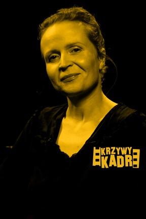 """2020-08-09 """"Krzywy kadr"""": Dominika Kluźniak o pracy w dubbingu"""